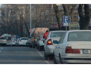 Otoparkçılar, mahkeme kararıyla Ankara'da tekrar park ücreti almaya başladı