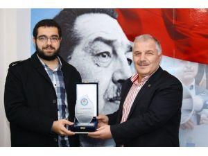 Bursa'da 'Unutamadığım Öğretmenim' Anı Yarışmasının Kazananları Ödüllerini Aldı