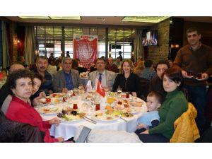 Eğitim-iş Eskişehir Şubesi Kahvaltıda Bir Araya Geldi