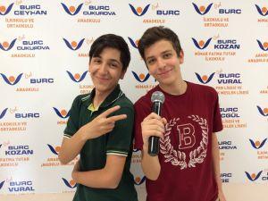 Burçlu öğrencilerden İngilizce karaoke yarışması