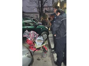 Bebek Arabasından Çanta Hırsızlığı Güvenlik Kamerasında