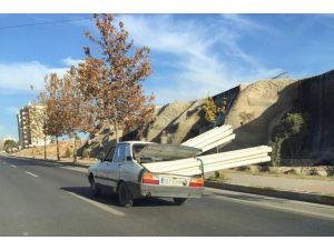 Boru Yüklü Otomobil, Kazaya Davetiye Çıkardı