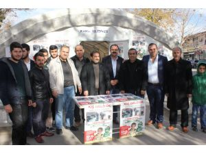 Hayırsever işadamından Suriyeliler için bir TIR un yardımı