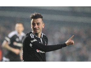Beşiktaş ligin ilk yarısında lider