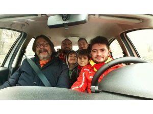 Göztepe Başkanı Sepil, Karabük deplasmanına taraftarın arabasıyla gitti