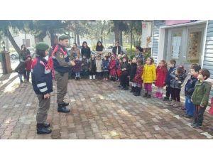 Jandarma Minik Öğrenciler İle Buluştu