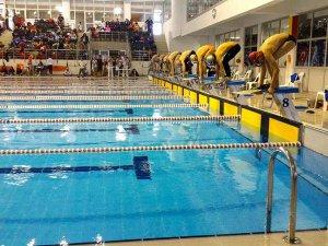 Yüzmede 3 Türkiye rekoru kırıldı