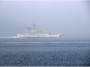Çanakkale Boğazı'ndan Rus askerî gemileri geçti