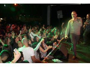 Haluk Levent'ten Suriyeli sığınmacılar için konser