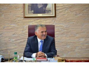 """""""Geri Dönüşüm Ve Tabiat İle Kültür Varlıklarını Koruma"""" Yılın Belediye Başkanı"""