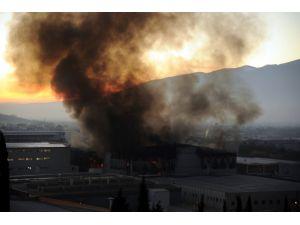 İstanbul itfaiyesi Bursa'daki yangınına müdahale etti