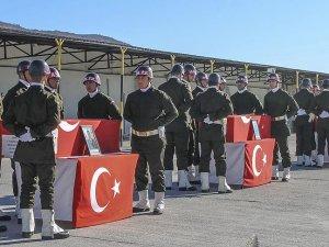 Cizre'de şehit düşen askerler için tören düzenlendi