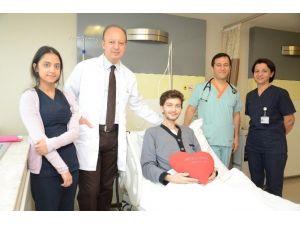 Kalp Romatizması Hastası Gökhan Alp, Sağlığına Kavuşturuldu