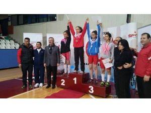 Gülşen Taşçı Halterde Türkiye Şampiyonu Oldu