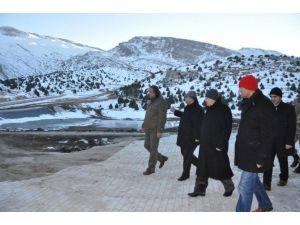 Vali Kahraman Ergan Dağı'nda İncelemelerde Bulundu