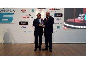 Samur, Üçüncü Kez Yılın İlçe Belediye Başkanı Seçildi