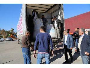 Yüreğir Belediyesi'nden Bayırbucak Türkmenlerine 2 Tır Yardım