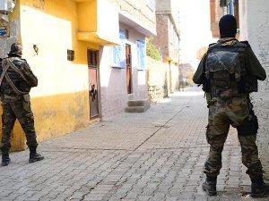 Sur'da terör saldırısı: 6 asker, 5 polis yaralı