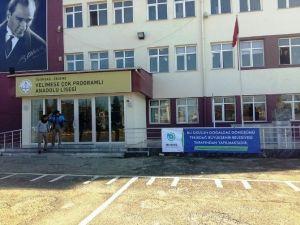 Büyükşehir Belediyesinden Okullara Destek
