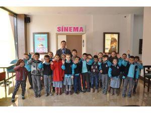 Elmalı'da Öğrencilerin Sinema Heyecanı