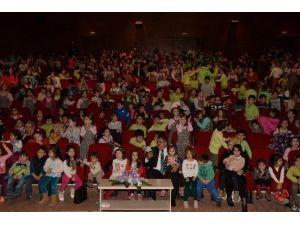 Çocuklar Tiyatro Oyunları İle Keyifli Anlar Yaşadı