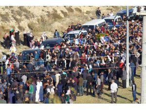 Korsan Gösterilerde Ölen Sedat Baran'ın Cenazesi Toprağa Verildi
