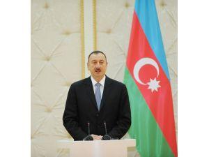 Aliyev 210 mahkumu affetti