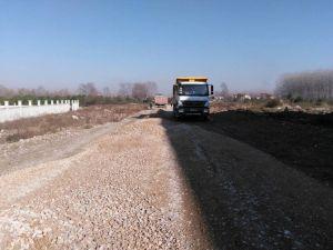 Akyazı Belediyesinden Alt Yapı Ve Üst Yapı Çalışmalarını Sürdürüyor