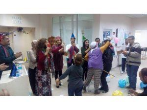 Hastalar Yılbaşını Erken Kutladı