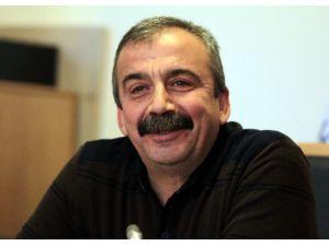 """Sırrı Süreyya Önder: """"Kaçak Çaya Hallendiyseniz Rize Çayı İçelim"""""""