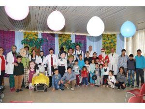 Alanya'da Hasta Çocuklara Özel Tiyatro