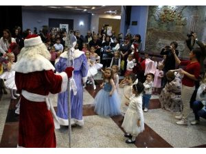 Antalya'da Yaşayan Ruslar Yeni Yılı Coşkuyla Kutladı