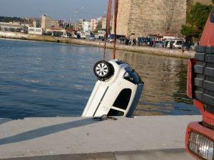 Sinop'ta Otomobil Denize Uçtu: 1 Ölü