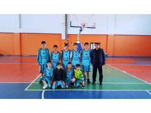 Burç Yağmur Ortaokulu basketbolda Şırnak birincisi oldu