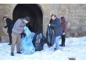 Er-vaklı Gençler Tabyalarda Temizlik Yaptı