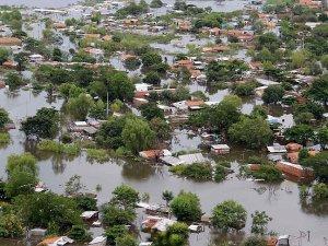 Latin Amerika ülkeleri sel ile boğuşuyor