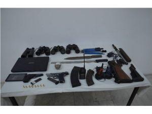 Söke'de, Silah Ve Çok Sayıda Mühimmat Ele Geçirildi
