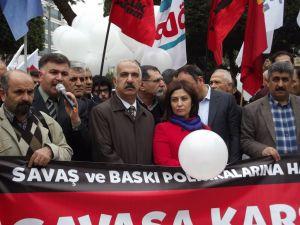 """""""AKP iktidarı muhalif kesimleri baskı ve operasyonlarla sindirmeye çalışıyor"""""""