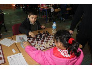 Satranç dostluk maçı düzenlendi