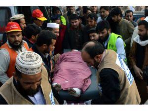 Pakistan'da devlet binası önünde patlama: 23 ölü, 70 yaralı