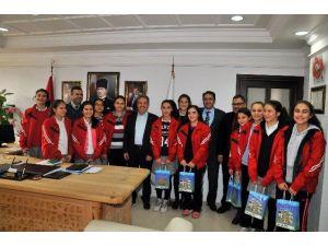 Konya Şampiyonu Takımdan Başkan Akkaya'ya Ziyaret