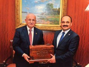 Rektör Aydın, TBMM Başkanını Ziyaret Etti