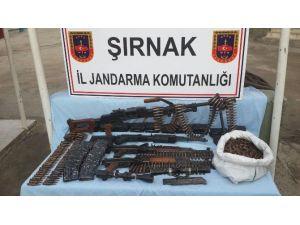 Şırnak'ta 5 Mayın, 3 Kaleşnikof Ve 1 Bixi Makinalı Tüfek Ele Geçirdi