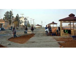 Ceylanpınar Belediyesi İlçe Girişinde Çalışmalar Başlattı