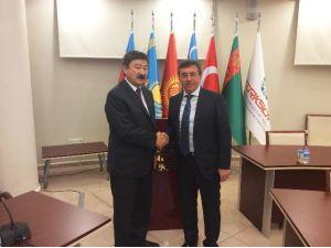Başkan Çetin, Türksoy'u Ziyaret Etti