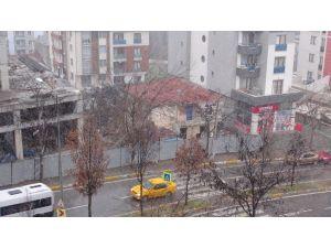 İstanbul'un yüksek kesimlerde kar etkisini arttırıyor