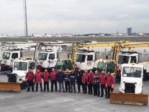 Atatürk Havalimanı'nda kar yağışı hazırlıkları yapıldı