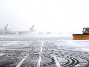 Nevşehir'de hava ulaşımına kar engeli