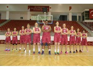 Nehü Kadın Basketbol Takımı İlk Yarıyı 2. Olarak Tamamladı