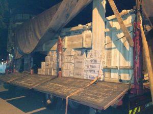 Siverek'te 189 bin paket kaçak sigara ele geçirildi